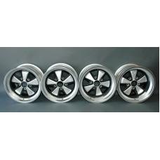 Porsche 930 Fuchs 15x8 & 9 Wheels 91136102003 91136102094